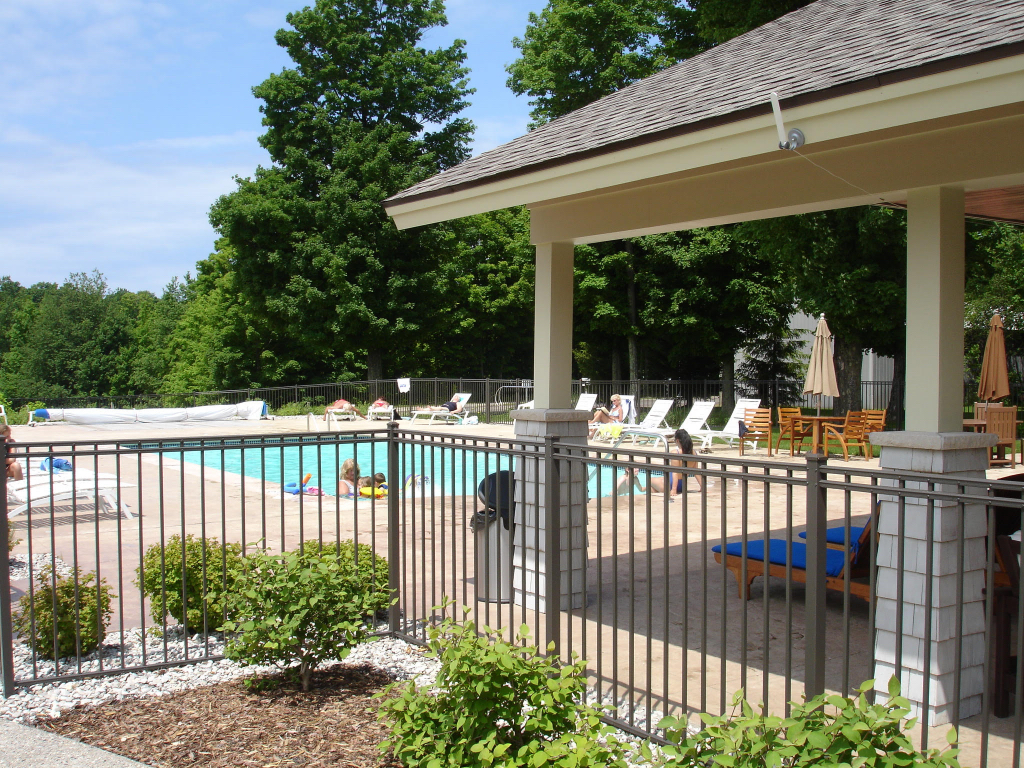 Cottages for rent sale in northern michigan indigo bluffs Cottages with swimming pools to rent